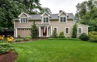 10 Winslow Rd, Wellesley, MA
