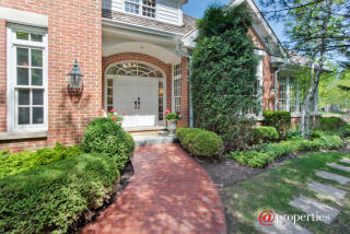 950 Gloucester Crossing, Lake Forest IL