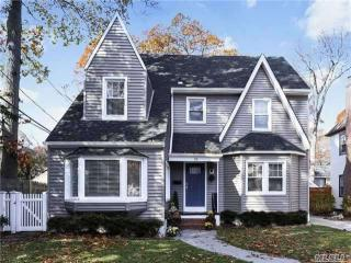 26 Loel Court, Rockville Centre NY
