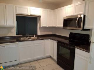 2104 Northeast 44th Street, Lighthouse Point FL