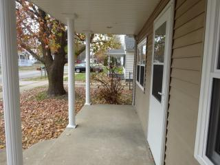 907 Lincoln St, Pawnee, IL 62558