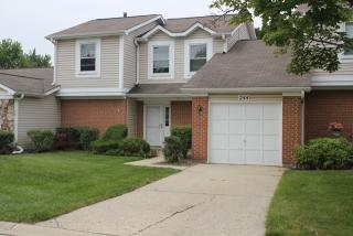 252 Sutton Ct, Bloomingdale, IL 60108