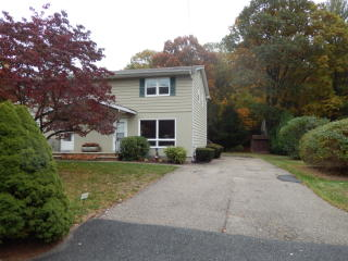 19 Grove St, Wanaque, NJ 07465