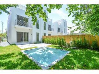 3027 Elizabeth Street, Miami FL