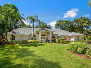 7630 Weeping Willow Circle, Sarasota FL