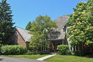 990 West Deerpath, Lake Forest IL
