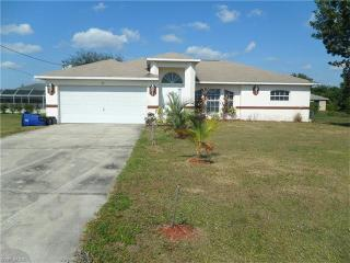 215 Blackstone Dr, Fort Myers, FL