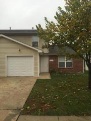 2042 W Old Plank Village Dr, Columbia, MO 65203