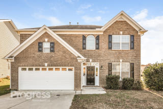 295 Stobhill Ln, Holly Springs, NC 27540