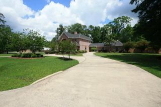 2435 Catacombs Drive, Roman Forest TX