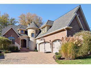 4436 Roslyn Road, Downers Grove IL