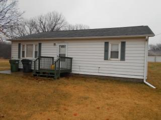 1301 11th Ave S, Clinton, IA 52732