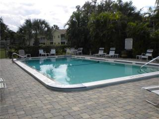 8148 Country Rd #106, Fort Myers, FL