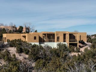 87 Avenida De Las Casas, Santa Fe NM