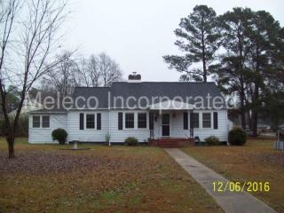 1409 W Circle Dr, Roanoke Rapids, NC 27870