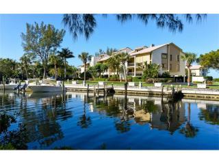 3905 Mariners Walk #823, Cortez FL