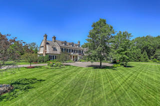 8 Dairy Road, Greenwich CT