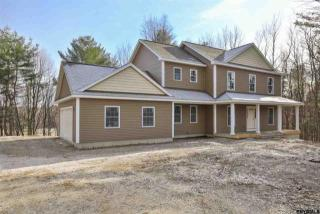 8 Old South Road, West Sand Lake NY