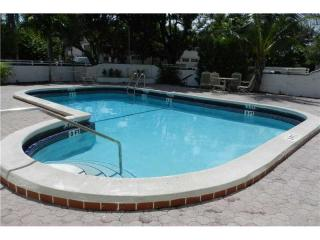 1075 93rd Street #404, Bay Harbor Islands FL