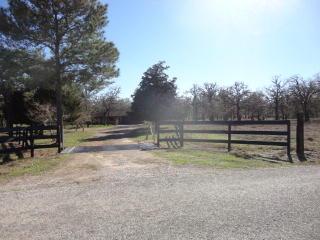 728 Leisure Lane, Goliad TX