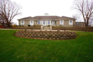 408 Stagecoach Trail, Le Claire IA