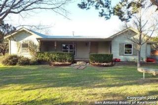 1192 Lakeside Drive, Lakehills TX