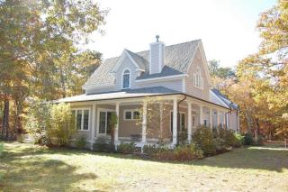 145 Meadow Path, Vineyard Haven MA