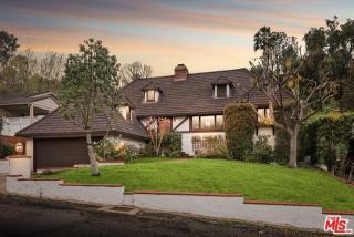 3945 Van Noord Avenue, Studio City CA