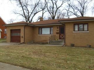 18243 Wildwood Avenue, Lansing IL