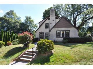 69 Topland Rd, White Plains, NY