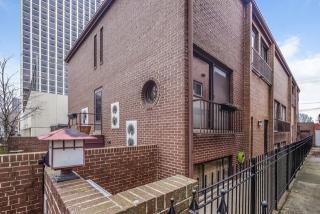 726 West Junior Terrace #B, Chicago IL