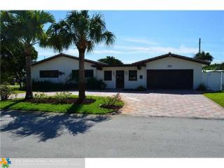 2752 Northeast 52nd Court, Lighthouse Point FL