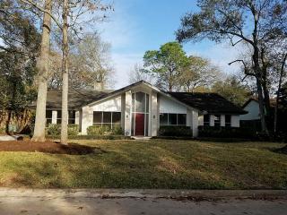 4115 Elderwood Drive, Taylor Lake Village TX