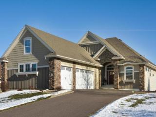 6685 Picha Place, Eden Prairie MN