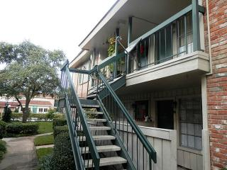 2250 Bering Drive #36, Houston TX