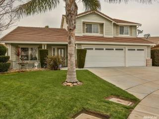 9752 Lilac Fields Pl, Elk Grove, CA