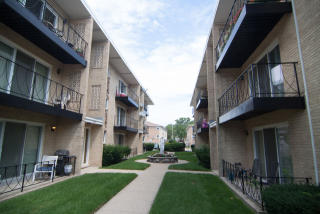 6815 North Olmsted Avenue #102, Chicago IL