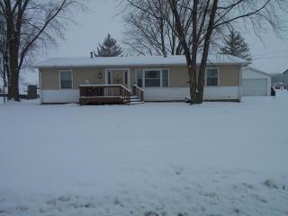 420 South Pine Street, Piper City IL