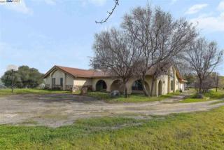 255 Happy Valley Road, Pleasanton CA