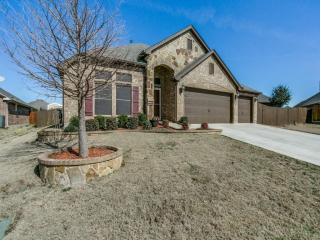 816 Big Willow Drive, Saginaw TX