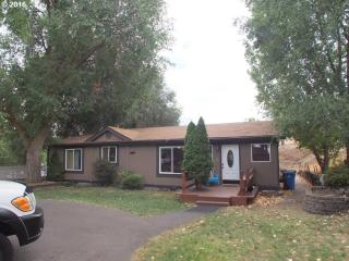 930 East 19th Street, The Dalles OR