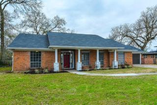 424 Willow Lane, Baytown TX