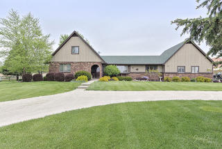 6406 Schultz Road, Harvard IL