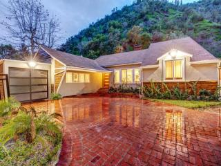 1537 Benedict Canyon Drive, Beverly Hills CA