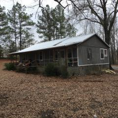 111 Grissom Lane, Saltillo MS