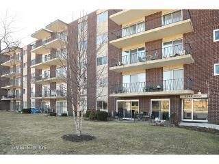 5300 Walnut Avenue #5B, Downers Grove IL
