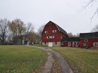 155 Glen Road, Hawthorn Woods IL