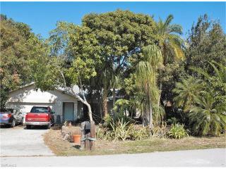 8489 Buena Vista Road, Fort Myers FL