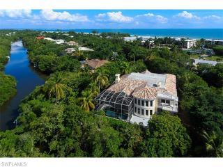 696 Kinzie Island Court, Sanibel FL