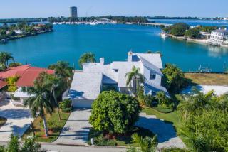 216 Bird Key Drive, Sarasota FL